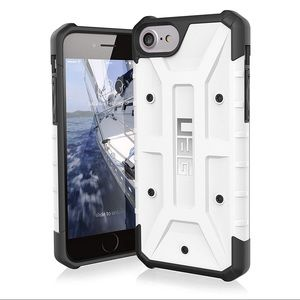 Accessories - UAG iPhone 7/6s phone case